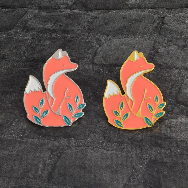Venda quente! Pino animal bonito animal floresta inteligente raposa crachás broches lapela pino raposa jóias esmalte pino broche