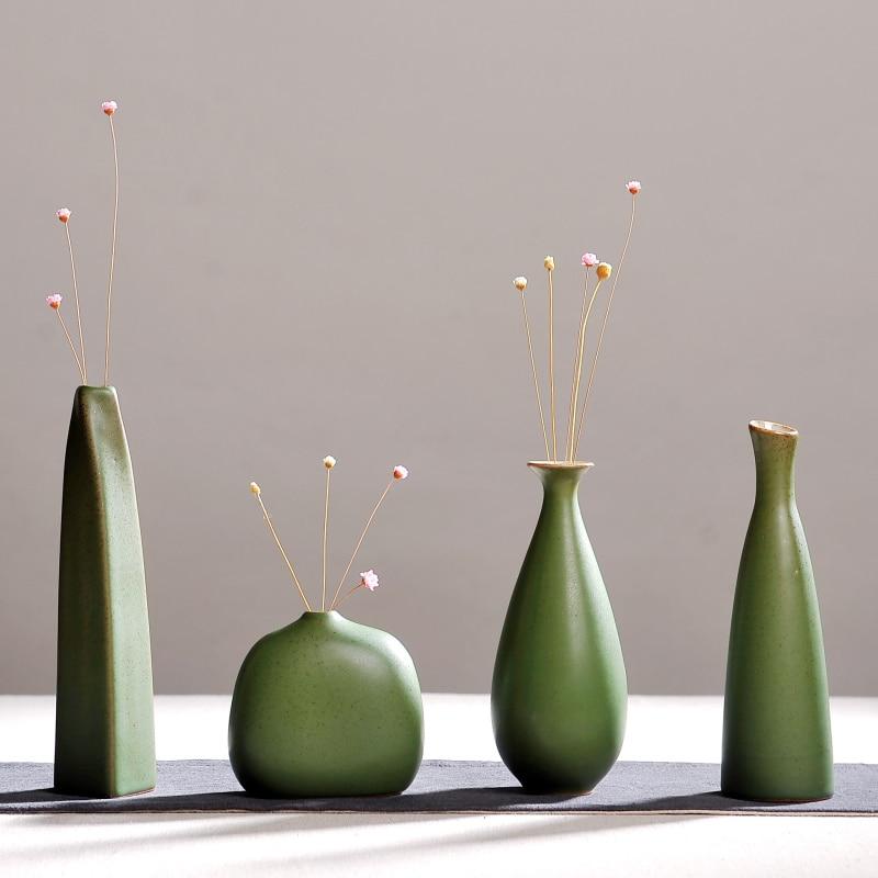 Modern Fashion Home Furnishing Small Handmade Chinese Ceramic Vases Flower Pottery Vase Desk