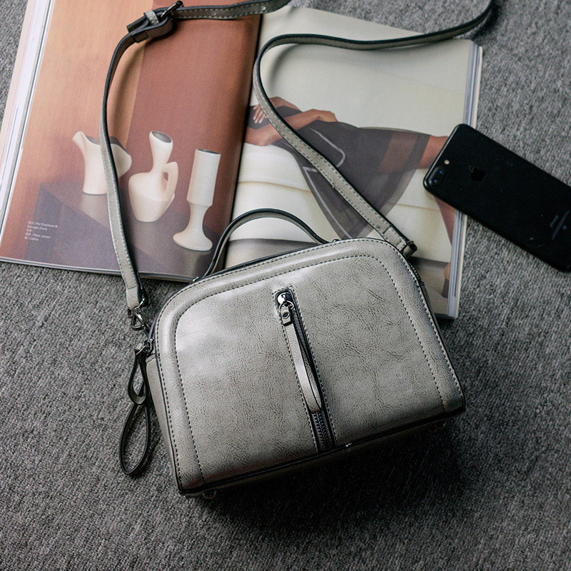LKX 2018 New Pattern Classic Grace Two Layer Cowhide Oil Wax Small Square Package Rivet Joker Cowhide Single Shoulder Package lkx 2018 new pattern genuine leather woman package wax oil cowhide fashion hundred take the hand bill of lading shoulder satchel