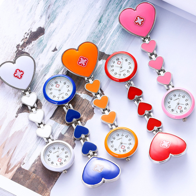 2018 new women girls nurse doctor brooch portable supe clock personality love shape red cross pocket quartz electronic watches