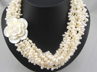 Designer naturel véritable collier de perles d'eau douce avec fermoir fleur de coquille danse perle torsion collier multicouche Nobilty Chunky