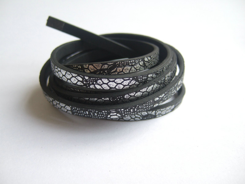 1meter 5mm Sequins Flat Faux Leather Stripe Cords Rope Thread String Necklace