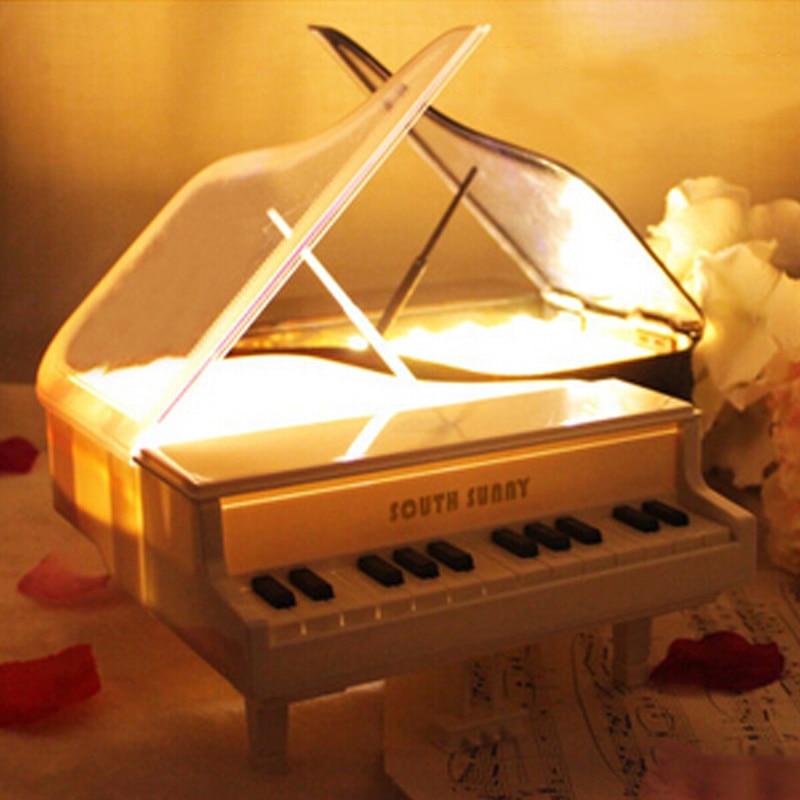 Klassisk piano berört LED nattlampa Chrismas Gift sovrum sängbord atmosfär nattljus julinredning