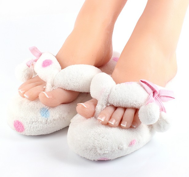 Woman Autumn Footwear Indoor House Shoes Pom Pom Thong Slippers ...
