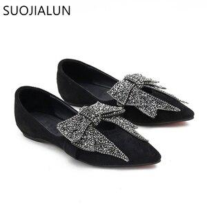 Image 5 - SUOJIALUN kadın düz 2019 zarif moda kadın düz bale ayakkabıları Bling kristal papyon sivri burun daireler ayakkabı bayan parlak düz