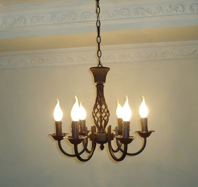 Free shipping6 Pieces E14 black European wrought iron chandeliers/classical candle chandelier/bedroom chandelier classical pavilion shape decorative candle holder without candle