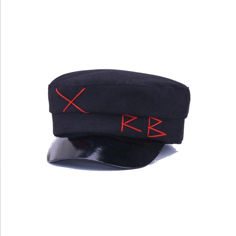 2018 Mode Wolle Militär Hüte Casual Flache Top Hut Herbst Winter Mann Frau Kapitän Kappe Faux Leder Vintage Visier Unisex Baumwolle