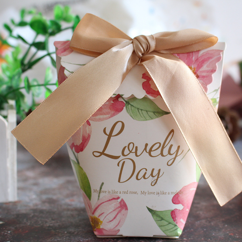 10pcs/lot lovely European style gift box Small paper bag candy box wedding guest gift Cookie box/ thank you box/ birthday