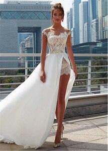 Image 4 - Laço encantador & chiffon sheer jewel decote a linha vestido de casamento com apliques de renda frente fenda praia vestido de noiva