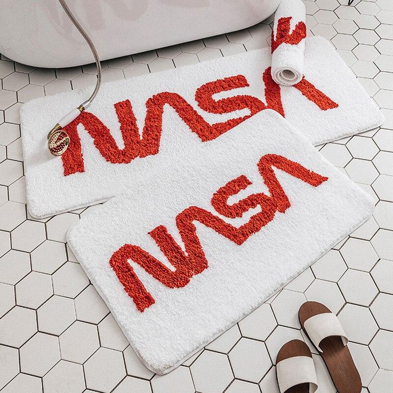 Mode INS tapis de sol porte chaude anti-dérapant coton salle de bain chevet tapis moderne dessin animé tapis design style nordique