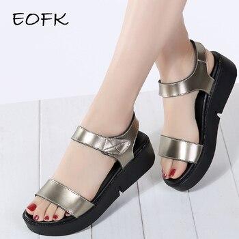 922a407f0a0 EOFK 2019 de alta calidad de verano Sandalias de las mujeres planos de  cuero cómodos Sandalias de confort zapatos de señora mujer de oro Punk  Sandalias