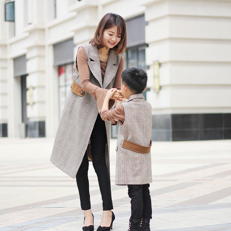 Gray and coffee grid sleeveless vest coat family fashion clothes 2017 grey sleeveless vest overcoat mother daughter outerwear family fashion mother and child tendrils down coat thickening jacket vest mother