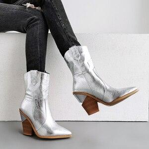 Image 4 - 2019 جديد الشتاء أحذية كاوبوي ل حذاء نسائي بكعب عالٍ الفراء داخل الغربية الأحذية حذاء من الجلد للنساء موضة الذهب الفضة حذاء امرأة