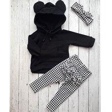 От 1 до 6 лет, милые комплекты одежды для маленьких девочек на осень и зиму комплект из 3 предметов, пуловер с капюшоном и объемными ушками черные топы+ клетчатые штаны с оборками+ повязка на голову