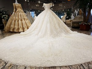 Image 2 - LS54110 2020 Luxury wedding dress sweetheart  ball gown lace up  ivory and champagne bridal wedding gowns long train as photos