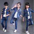 Дети Комплектов Одежды Девочка джинсовые Куртки + Брюки Джинсовые Джинсы + белый Футболки 3 шт. наборы джинсовые куртки для девочек ребенка одежда