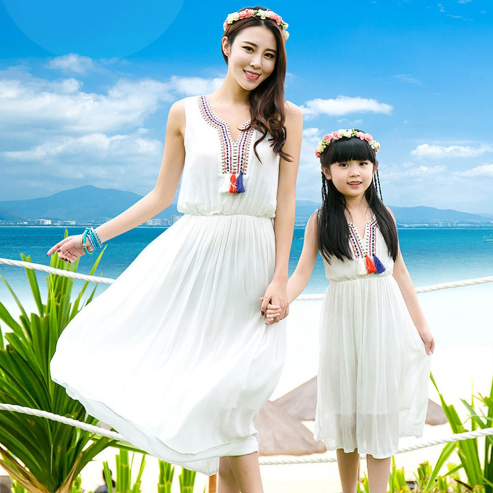 Mother daughter dresses mommy and me family matching clothes look mom mum dress outfits clothing sister Children kids Girls 2018 2018 new classical cheongsam children clothes women girls family look matching clothing mother daughter mom