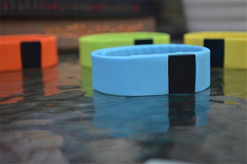 fitness tracker Smartband sport bracelet smart wristband pedometer Bluetooth 4 0 Smart bracelet calls to remind