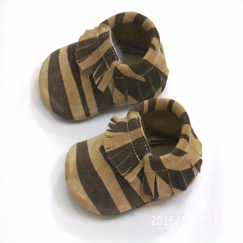 Купить с кэшбэком Brand genuine leather crib shoes New baby Suede moccasins soft leather moccs baby girl shoes Toddler boy shoes  Zebra pattern