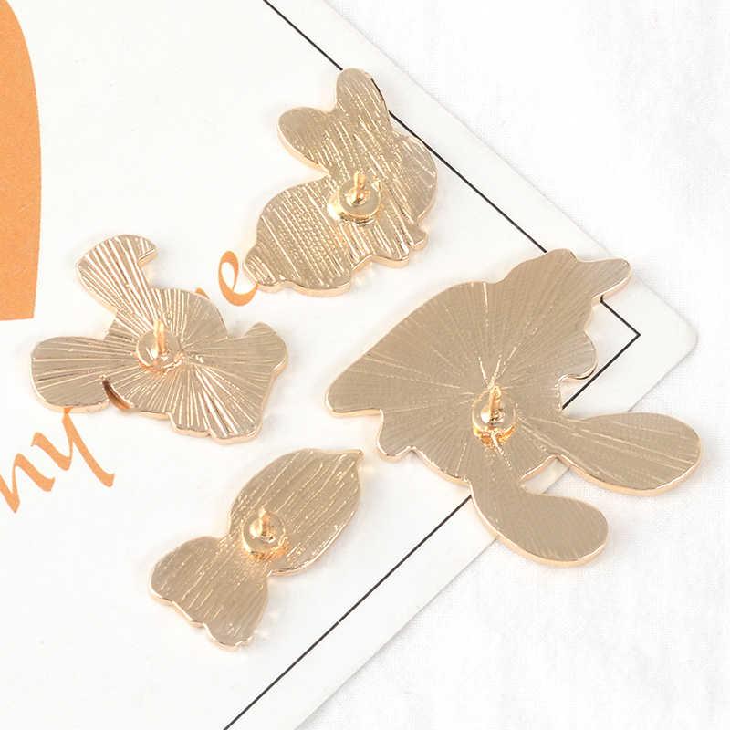Kelinci dan Wortel Enamel Pin Kustom Bros Tas Pakaian Kerah Pin Kelinci Lencana Lucu Kartun Hewan Tanaman Perhiasan Hadiah