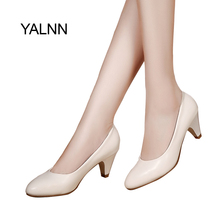 YALNN Mature Women Pumps High heels shoes  leather 5cm med High Quality Shoes White black Pumps Office lady Shoes