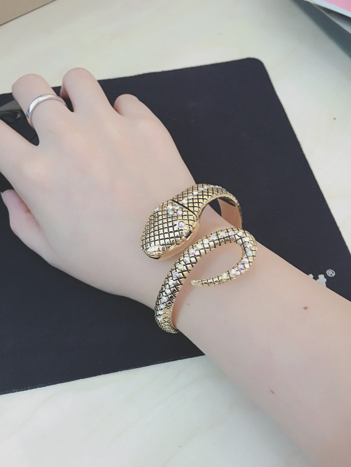 Quartzo Moda Senhoras Criativas Relógios de Prata relogio feminino
