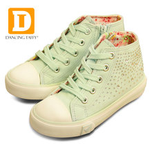 Fashion Crystal Girls Shoes 2019 New Spring Casual Light-up Children Sneakers Princess Rubber Boots Diamond Shining Kids Shoes(China)