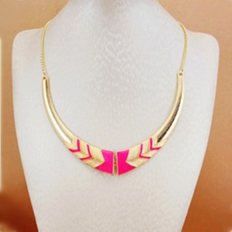 2018 HOT free shipping Europe United States jewelry retro exaggerated short fluorescent color necklace wholesale free