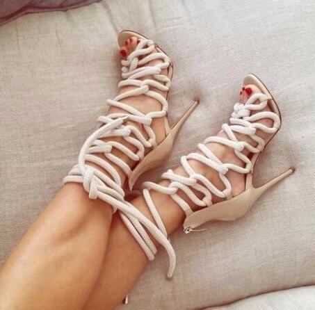 Ventes Dames Sandales Couleurs Mélangées d'été bottes à Lacets Sandales femmes peep toe Talons Minces Talons hauts Chaussures D'été femmes chaussures