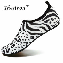 Thestron Summer Mens Slip On Water Shoes Designer Swims Trainers Weight Light Women Yoga Sneakers Leisure Soft Pool Female Shoes runner print slip on water trainers