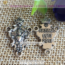 100 stks/partij 2017 drie gat antiek zilver plating retro rozenkrans middelpunt fatima rozenkrans center religieuze medaille