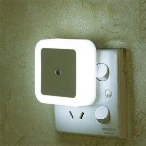 "Image 1 - מיני LED לילה אור חיישן בקרת האיחוד האירופי/ארה""ב/בריטניה תקע מרובע חדר שינה קיר מנורת עבור תינוק ילד מתנה רומנטי צבעוני אורות דקור"