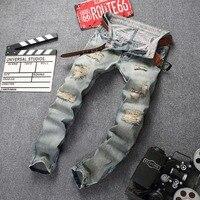 Mannen Slim Gaten Jeans Studs Vlaggen Doek mannen Jeans Broek Vernietigd Gat Elasticiteit Jeans Straight Jeans Mannen Geript Stretch