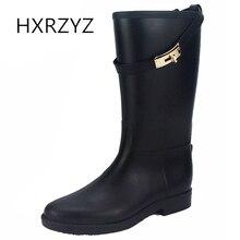 Фотография HXRZYZ women rain boots ladies buckle rubber boots spring/autumn fashion slip-resistant waterproof lockbutton women black shoes