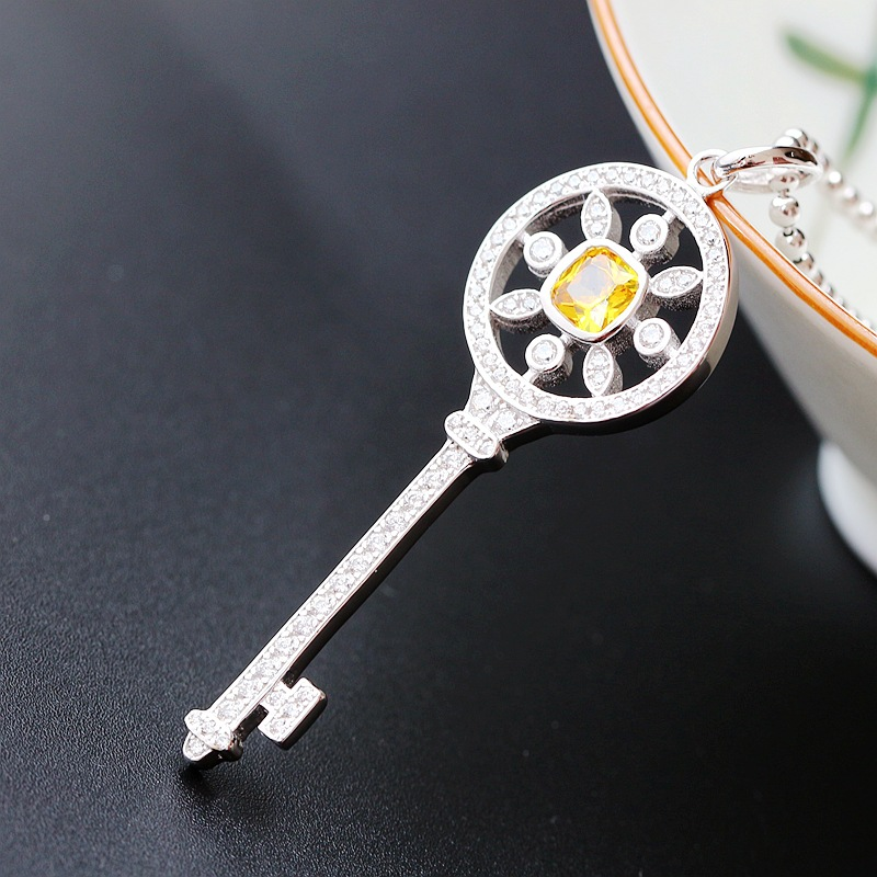 Silver Hand-crafted Fashion Hand-fashion Key Ladies Retro Thai Silver S925 Sterling Silver Pendant Vintage Style