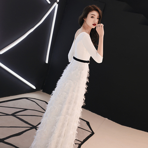 Image 5 - Weiyin לבן ארוך שרוולים ללא משענת אונליין V צוואר רוכסן תחרה שמלות מפלגה אורך רצפת שמלות ערב שמלות WY1337