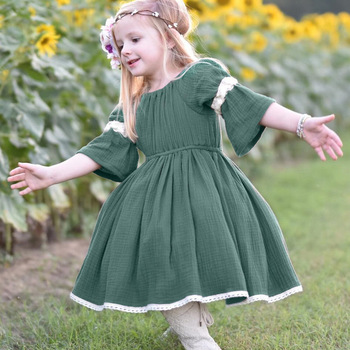 Baby Girls Lace Patchwork Ruffles Flare Sleeve Dress Green Color Summer Vintage Fashion Lovely Newborn Children Dresses