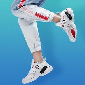 Image 4 - Onemixユニセックススニーカービッグサイズ2020新技術スタイル革減衰快適な男性のスポーツランニングシューズテニスお父さんの靴