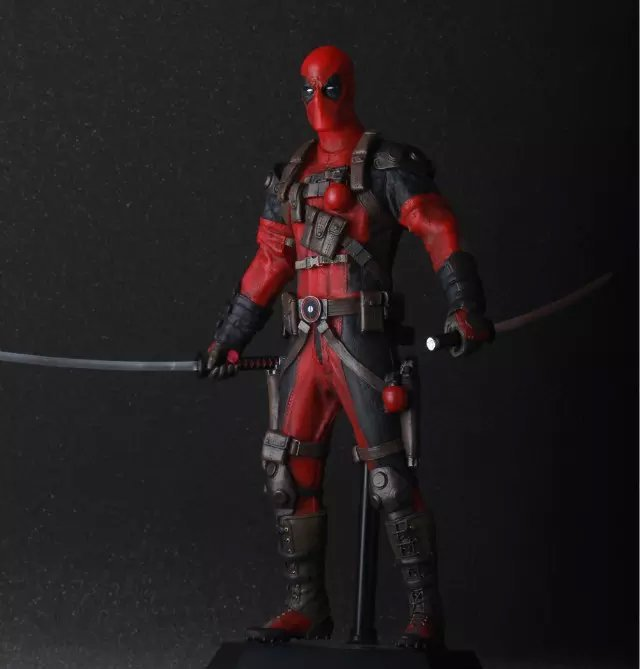 30cm Marvel Univers Super Heros Deadpool Action Figure Collection toys for christmas gift Weapons Free shipping30cm Marvel Univers Super Heros Deadpool Action Figure Collection toys for christmas gift Weapons Free shipping