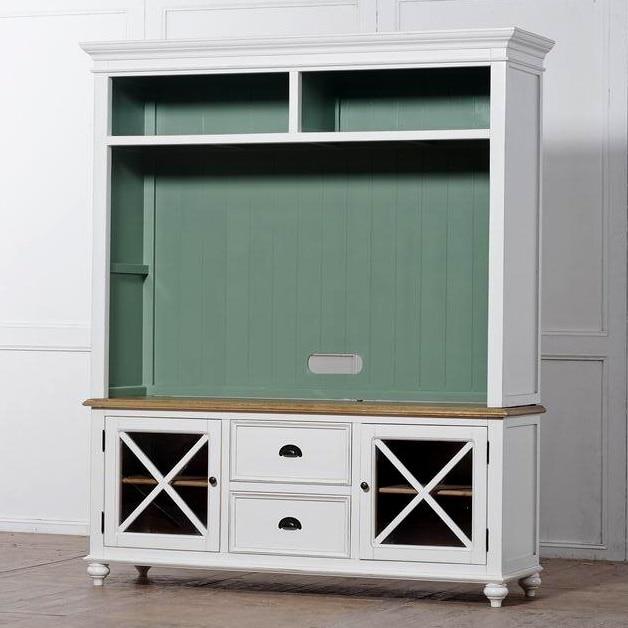 Franse landelijke stijl stopcontact om de oude witte houten tv ...