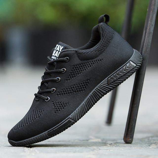 Мода 2019 Весна Мужская обувь все черные на шнуровке сетчатая повседневная обувь летние дышащие легкие мужские кроссовки для отдыха Теннисный тренажер