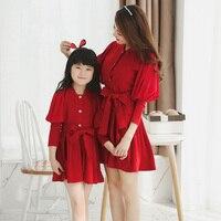 Madre e figlia si veste famiglia corrispondenza vestiti primavera autunno rosa fiocco rosso principessa abito mommy and me abiti casual