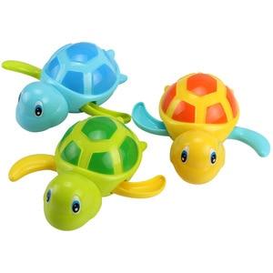 Image 1 - Einzigen Verkauf Nette Cartoon Tier Schildkröte Klassische Baby Wasser Spielzeug Infant Schwimmen Schildkröte aufgewickelten Kette Clockwork Kinder Strand bad Spielzeug