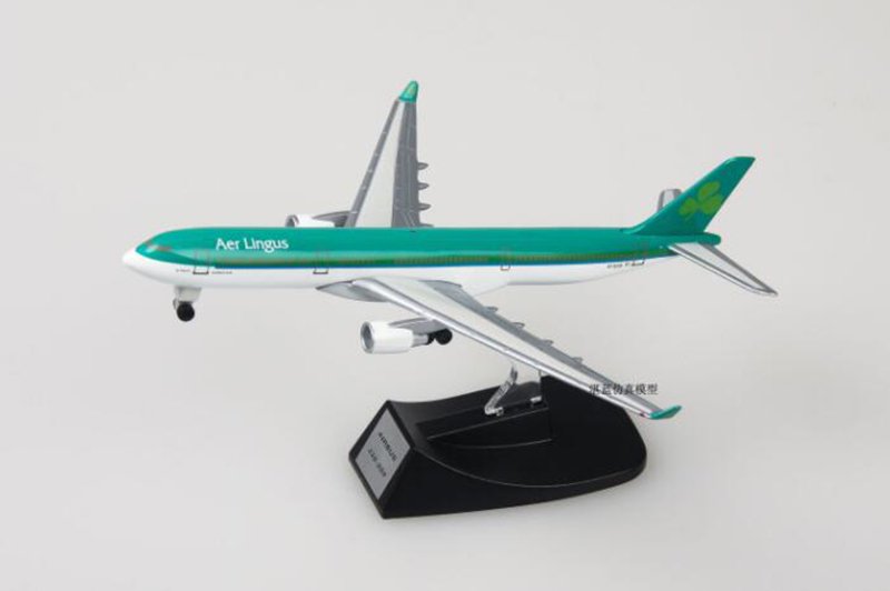 collectible 13cm airplane model toys Ireland airlines airbus 330 aircraft model diecast plastic alloy plane gifts for kids