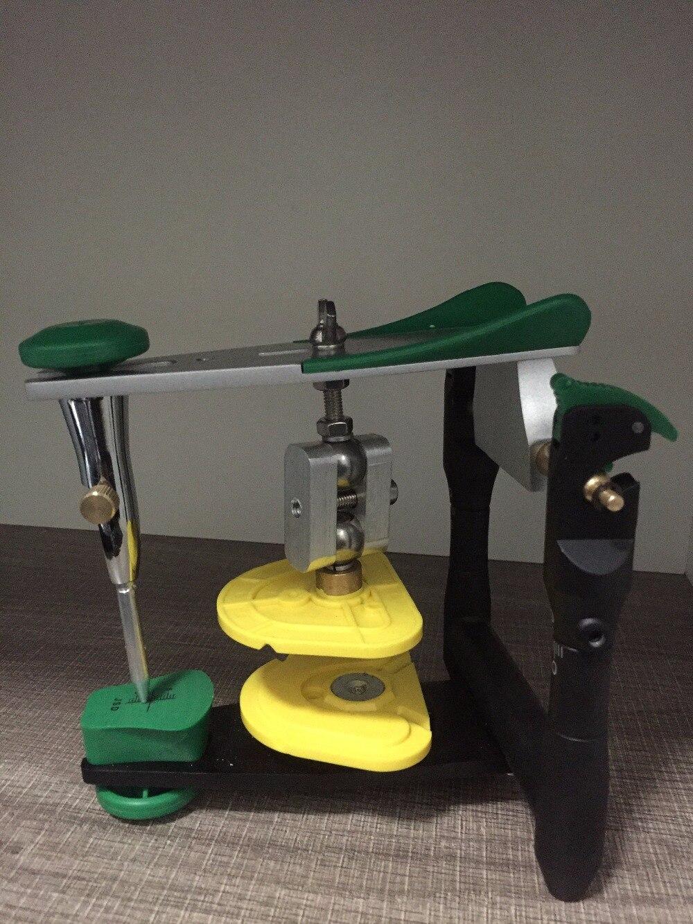 Articulateur dentaire pour la production de modèles de laboratoire dentaire/équipement dentaire