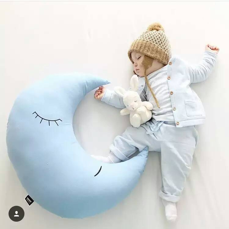 ФОТО Hot Sale 1Pc 70*70cm Blue Moon Plush Toys Baby Bed Home decorate At Home Pillow Cushion moon Cloth Doll baby doll birthday gift