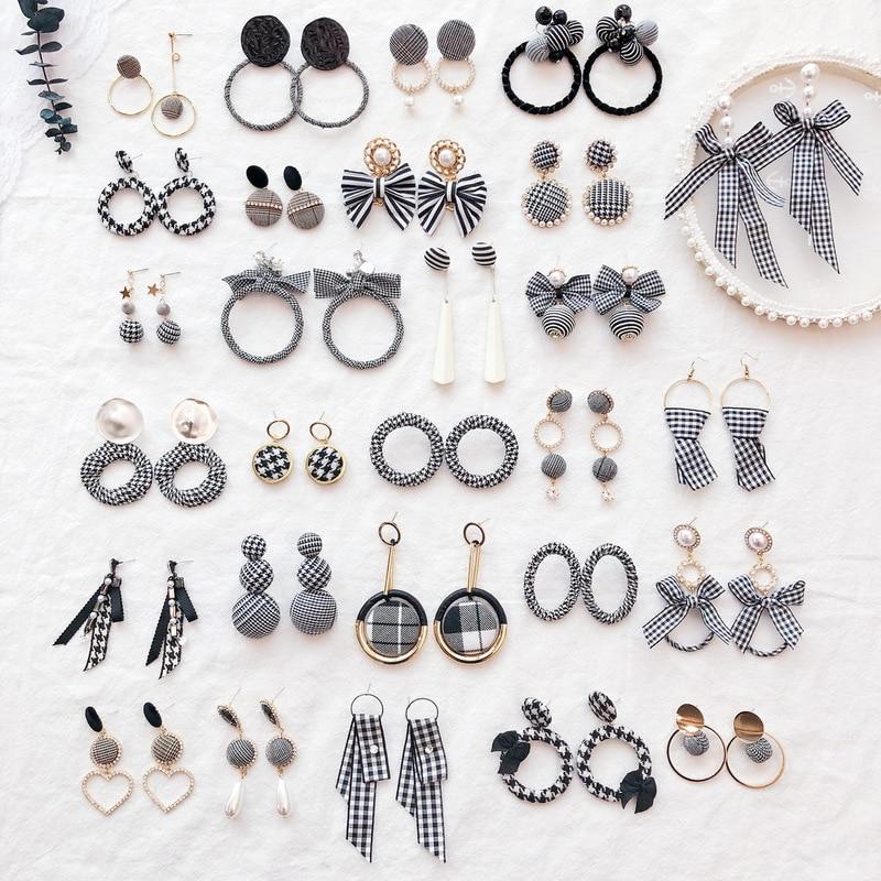 Korean OL Girl Office Career Earrings Black Houndstooth Stripe Button Bow Stud Earrings for Fashion Women Accessories Jewelry in Stud Earrings from Jewelry Accessories