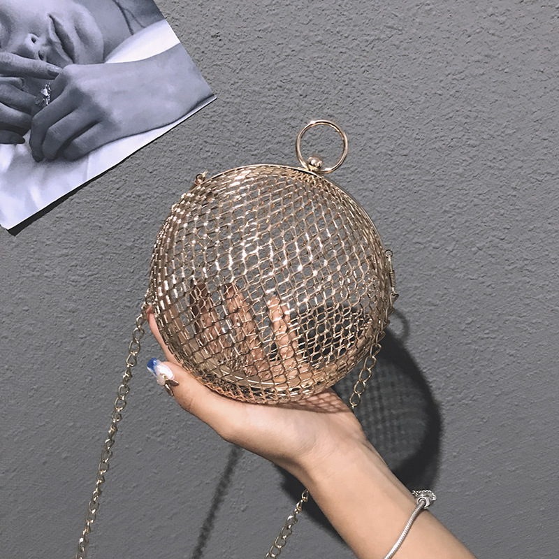 2018 Fashionable Korean Version Metal Hollow Out Bag ,Spherical Small Round Bag, Simple But Luxury Well-matched Bags estel mohito набор клубника
