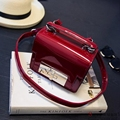 Woman Soft Patent PU Leather Vintage Solid Crossbody Casual Flap Bag 2016 Fashion Brand Women Lock Shoulder Handbag Hot Sale