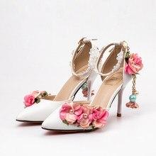 306d653e1 Sapatas das mulheres Sweety Rosa Flores Borla Sandálias De Fadas Ponited  Toe 5 cm 9 cm 14 cm Costume Lady Sapatos de Casamento v.